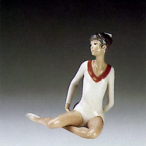 lladro-gymnast-exercise-with-ball-5333